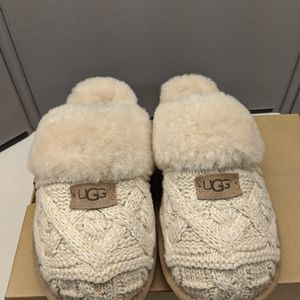 Ugg Cable Knit Cozy Slippers size 11